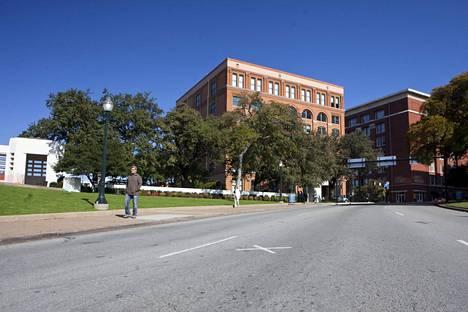 Tapahtumapaikka Elm Street. JFK 50. vuosipäivä, Dallas, Texas, Yhdysvallat.