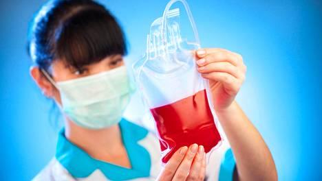 Nykyään verta voidaan säilöä noin 40 päivän ajan. Usein käytäntönä on käyttää vanhimmat veret ensin, jotta ne eivät vanhene.