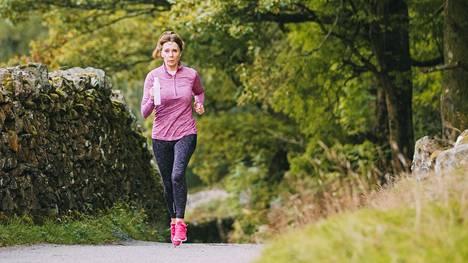 Naisten lihasmassa alkaa usein heikentyä vaihdevuosien aikoihin, mikä on saanut tutkijat epäilemään estrogeenihormonin vaikuttavan kehitykseen.