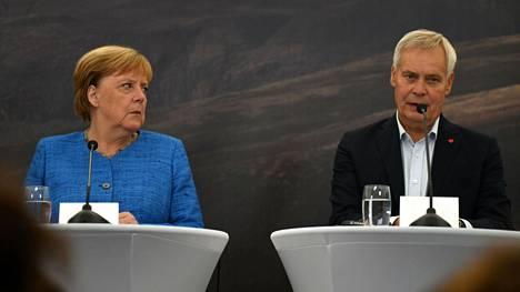 Saksan liittokansleri Angela Merkel ja Suomen pääministeri Antti Rinne pohjoismaisten pääministerien ja Saksan liittokanslerin kokouksessa Reykjavikissa Islannissa 20. elokuuta 2019.