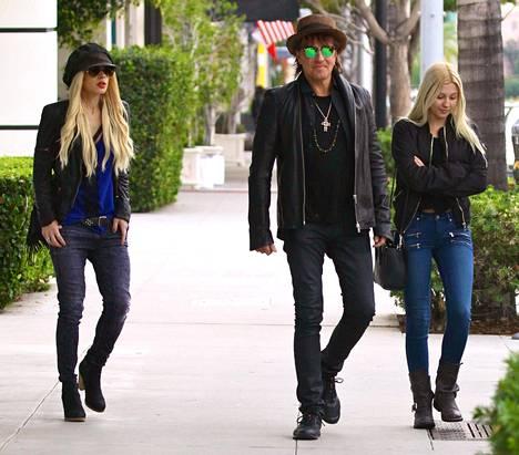 Richie Sambora, tyttöystävä Orianthi ja tytär Ava kuvattuna viime vuonna.