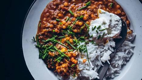 Retkillä pitää olla kunnollista ruokaa ja riittävästi, Saara Atula toteaa.