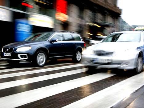 Ruuhkamaksujen vastustajat ovat pitäneet maksuja vain uutena ikävänä lisäkuluna autoilijalle.