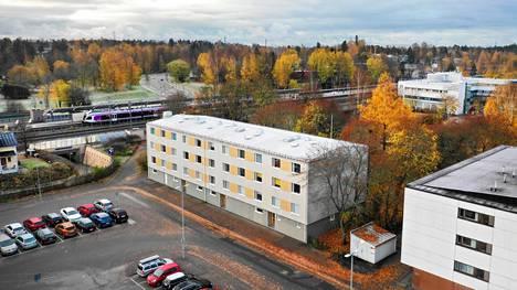 Oulunkylän aseman liepeillä uusitaan lähivuosina pyöräparkkien lisäksi paljon muutakin, kun pikaraitiotie Raide-Jokeri valmistuu.
