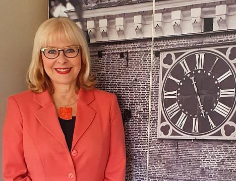 Visit Turun matkailujohtaja Anne-Marget Hellén uskoo, että suomalaiset käyttävät rahaa matkailuun, kun palvelut ovat kiinnostavia.