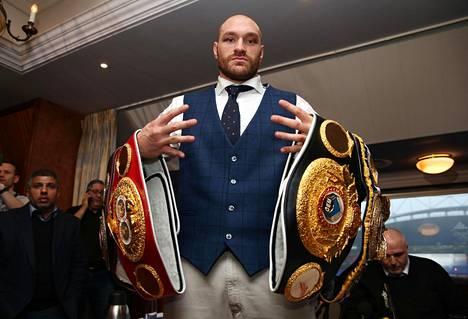 WBC-liiton maailmanmestari Tyson Fury etsii vastustajaa, kun joulukuulle suunniteltu kohtaaminen Deontay Wilderin kanssa on todennäköisesti peruuntumassa.