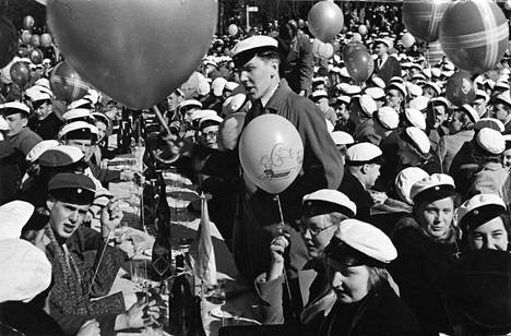 Ylioppilaita vappuna 1938.