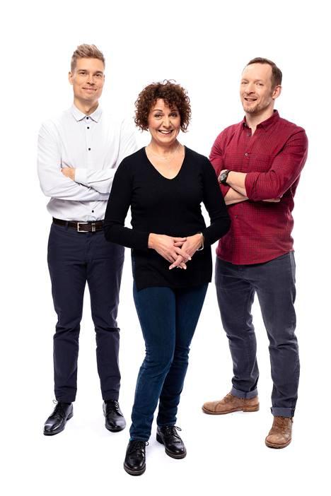 Sergein (Tero Tiittanen), Helenan (Anneli Ranta) ja Sebastianin (Jarkko Nyman) elämä on kaikin puolin mallillaan Pihlajasadun alkumetreillä.