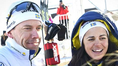 Emil Jönsson (vas.) ja Anna Haag yllättivät kertomalla lopettavansa uransa.