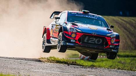Loikkiiko Thierry Neuville Hyundaillaan pian uusissa MM-osakilpailuissa? Arkistokuva.