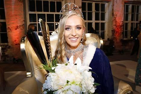 Anni Harjunpää oli yhtä hymyä syyskuussa, kun hänet valittiin uudeksi Miss Suomeksi.