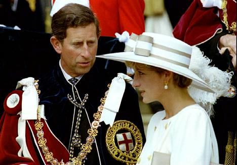 Prinssi Charlesin ja Dianan välit viilenivät. Kuva on vuodelta 1992.