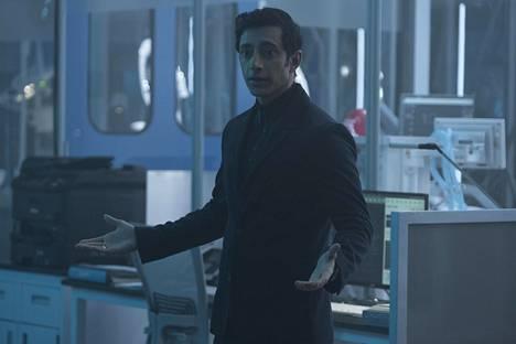 Riz Ahmed näyttelee katalia suunnitelmia hautovaa bisnesmiestä hyvin hillitysti.