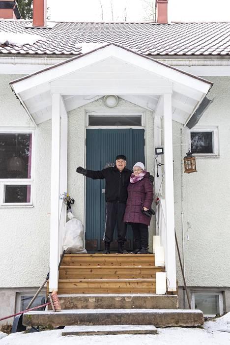 Aili ja Voitto Laurila ovat asuneet kaivoskylässä yli 60 vuotta.