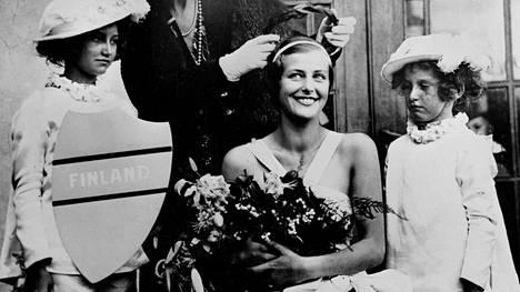 Ester Toivonen kruunattiin Miss Euroopaksi syyskuussa 1934 Hastingsissa, Englannissa.