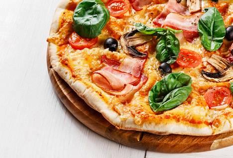 Ooni-uunit kuumenevat 500 asteeseen noin parissakymmenessä minuutissa. Pizzat paistuvat korkeassa lämpötilassa jopa alle minuutissa.