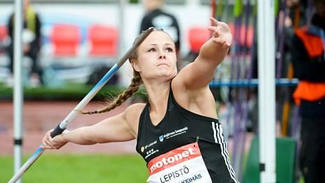 Janette Lepistö voitti naisten keihäskisan kovalla ennätysparannuksella. Kuva viime vuoden toukokuulta.