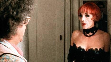 Shirley Stelfox on nähty myös seksibisnestä käsittelevässä brittikomediassa.