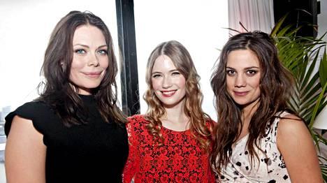 Rebecca Viitala, Sara Soulié ja Manuela Bosco nähdään Nymfit-sarjan pääosissa.