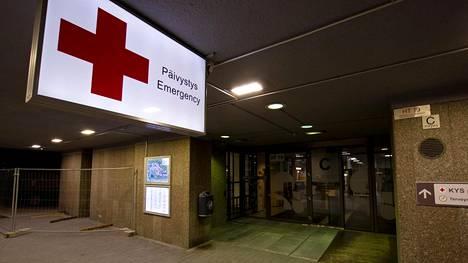 Moni Kuopion yliopistollisen sairaalan työntekijä teki kotimatkallaan u-käännöksen saatuaan tiedon perjantaisesta bussiturmasta.