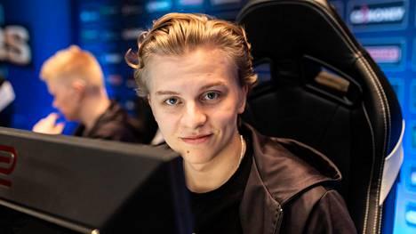 """Aleksi """"Aleksib"""" Virolainen on monelle tuttu nimi ENCEstä. Nykyisin hän johtaa eurooppalaista OG-joukkuetta."""