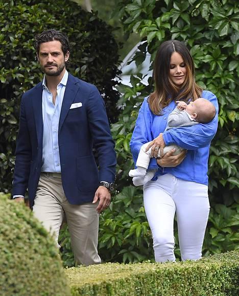 Prinssi Carl Philipin ja prinsessa Sofian esikoisen prinssi Alexanderin ristiäisiä vietetään syyskuussa.