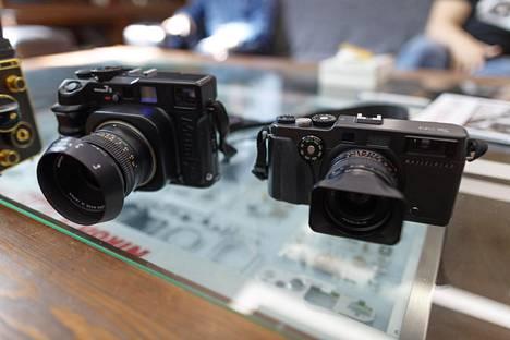 Mamiya 7ii ja Hasselblad Xpan ovat kameroita, joista saa hyväkuntoisina ihan kelvollisen summan euroja.