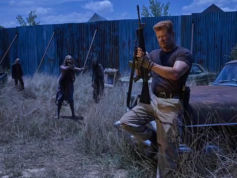 Katso taaksesi, sieltä sitä tullaan taas! The Walking Deadin kuudes kausi käynnistyy lähes yhtäaikaa Suomessa ja Yhdysvalloissa.