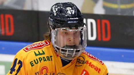 Jonne Tammela pelaa SM-liigan finaalisarjassa tulevaa työnantajaansa vastaan.