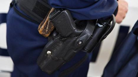 Poliisin virka-aseita kerätään lähiaikoina huollettavaksi.