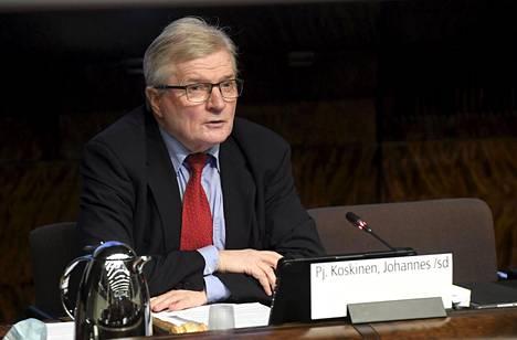 Valtiovarainvaliokunnan puheenjohtaja Johannes Koskinen.
