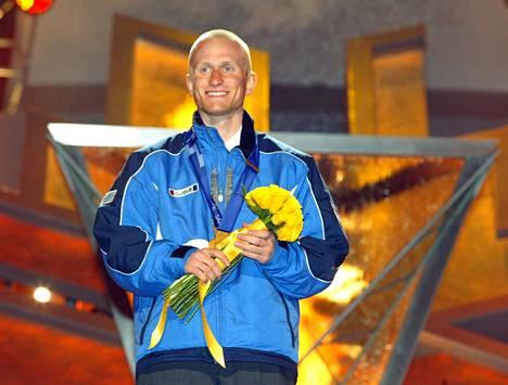 Yhdistetyn hiihtäjä Samppa Lajunen toi 22-vuotiaana Suomeen kolme olympiakultaa, kaikilta yhdistetyn kilpailumatkoilta, Salt Lake Cityn talviolympialaisista 2002.
