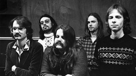 Wigwam-kokoonpano vuonna 1977: Måns Groundstroem, Jim Pembroke, Pedro Hietanen, Rekku Rechard ja Ronnie Österberg.