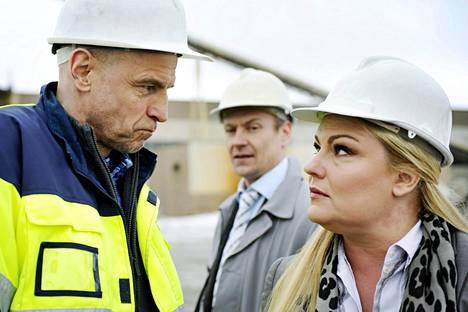 Sivula (Vesa Wallgren, vas.), Relander (Turkka Mastomäki, kesk.) ja Piiku (Sanna Saarijärvi) Pirunpellossa.