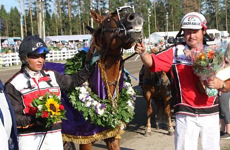 Tutustuminen Tähen Toivomuksen valmentajaan Pauli Raivioon on ollut kuin lottovoitto Henri Bollströmille.