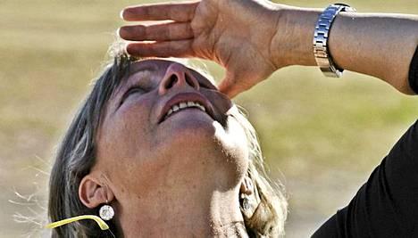 Eva Baumgartner tähysi Felix-poikansa ennätyslentoa.