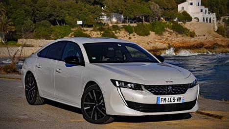 Peugeot 508 Hybrid saapuu Suomeen maaliskuun alkupuolella.