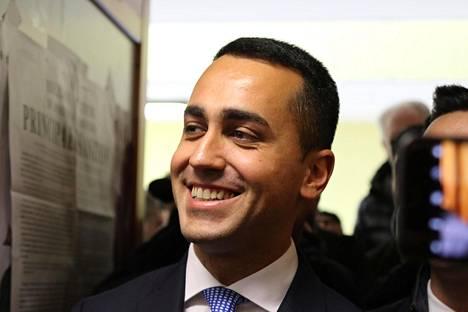 Toiselle sijalle on ennusteen mukaan kirinyt populistinen Luigi di Maion johtama Viiden tähden liike.