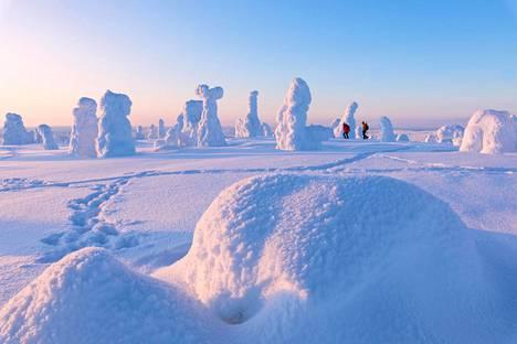 Lapin talvi lyhenee ja lumi vähenee. Sillä on vaikutuksensa turismiin.