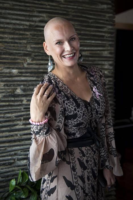 Heidi Sohlberg juontaa Syöpäsäätiön järjestämän Roosa nauha -hyväntekeväisyyskonsertin, joka järjestetään 4.10. Vantaalla.