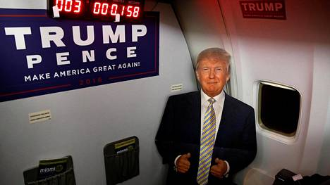 Donald Trump kulki kampanjansa aikana Boeing 757-200 -koneella, joka tunnetaan myös nimellä Trump Force One.