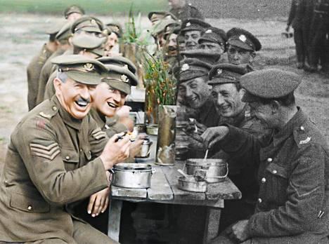 Peter Jackson on valvonut ensimmäisen maailmansodan filmimateriaalin restaurointia ja jälkiväritystä.