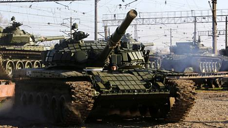 Tämä T-72B -venäläistankki saapui Krimille 31.3.2014.