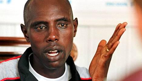 Kenian entinen kestävyysjuoksutähti Moses Kiptanui uskoo, että useat kenialaisjuoksijat ovat turvautuneet dopingiin.