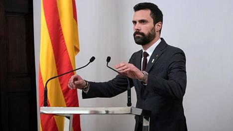 Katalonian alueparlamentin puhemies Roger Torrent ehdottaa parlamentille, että ehdolle aluejohtajaksi valitaan Jordi Turull.