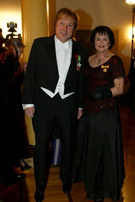Danny ja Liisa Lipsanen Linnan juhlissa vuonna 2002.
