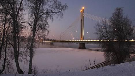 Tyler Backia odottaa Rovaniemellä Lapin talvi.