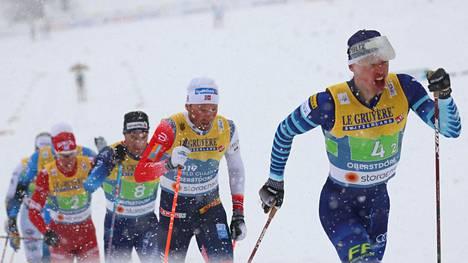 Iivo Niskanen hiihti väkevästi kakkososuudella.