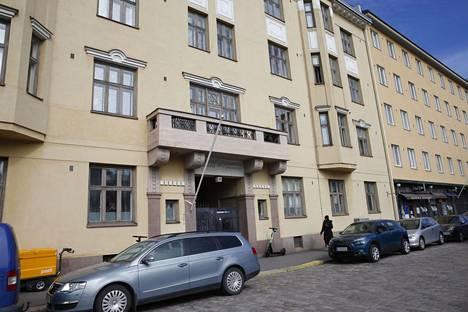 Kerstin omisti Helsingissä osoitteessa Lapinlahdenkatu 11 sijaitsevasta talosta 21 asuntoa, joiden arvioitu arvo oli reilut 7,2 miljoonaa euroa. Asunnot jaettiin Helsingin kaupungin ja De Utvecklingsstördas Väl i Mellersta Nyland r.f -nimisen yhdistyksen kesken.