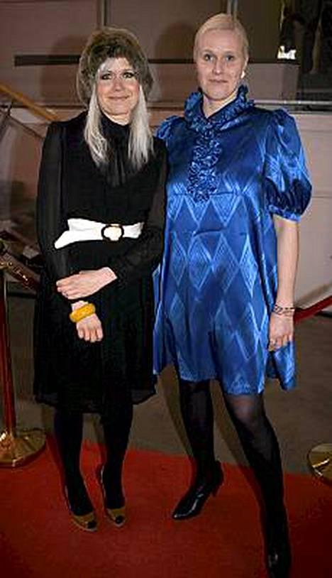 Paola ja Pirjo Suhonen Helsingissä 2008.